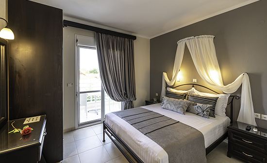 https://www.niki-thassos.gr/images/galleries/accommodations/apartments/01.jpg