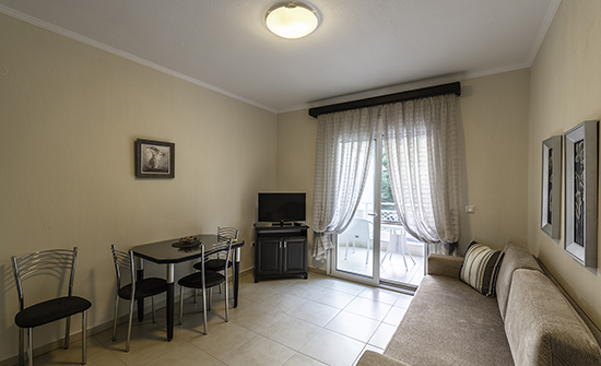 https://www.niki-thassos.gr/images/galleries/accommodations/apartments/05.jpg
