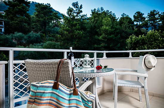 https://www.niki-thassos.gr/images/galleries/accommodations/apartments/06.jpg